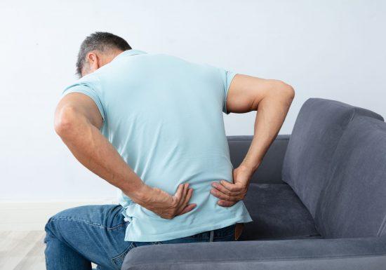 Nerv eingeklemmt: Symptome, Ursachen, Behandlung