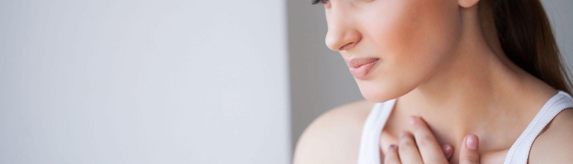 Schmerzen im Brustkorb: Symptome, Ursachen, Untersuchungen beim Arzt